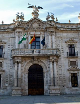 Académica Verónica Undurraga asiste como docente en la Universidad de Sevilla